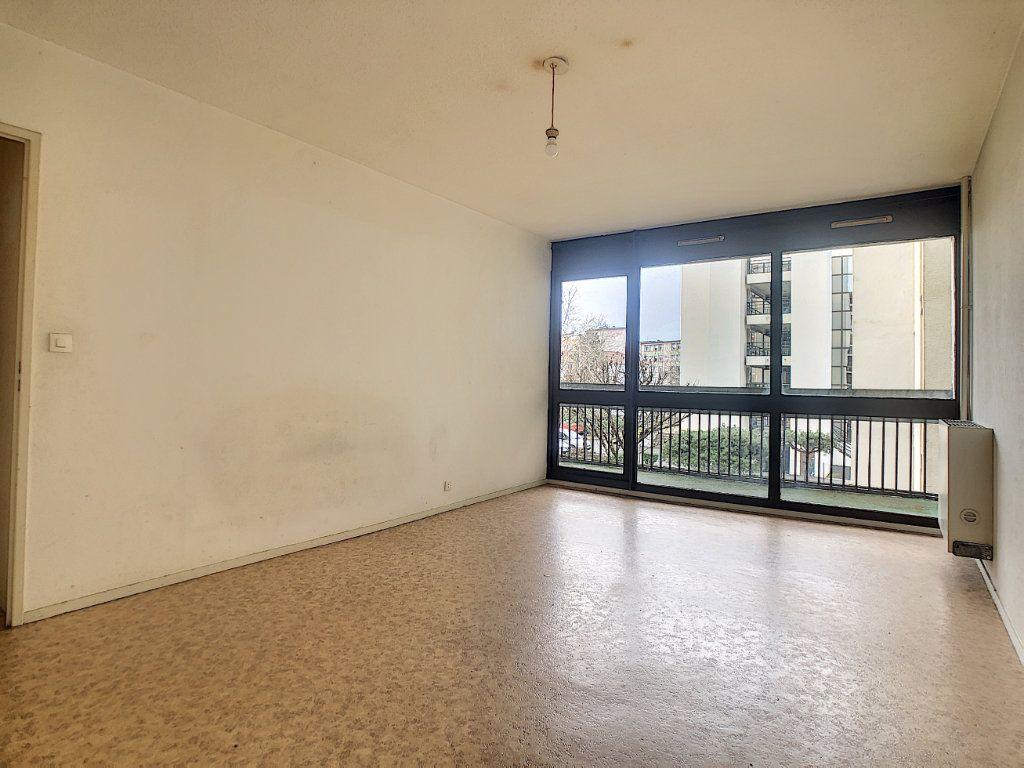Appartement à louer 2 49.29m2 à Aurillac vignette-1