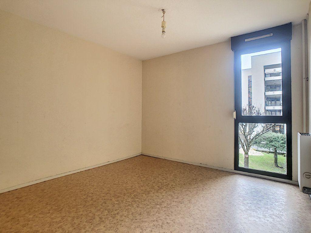 Appartement à louer 2 49.29m2 à Aurillac vignette-3