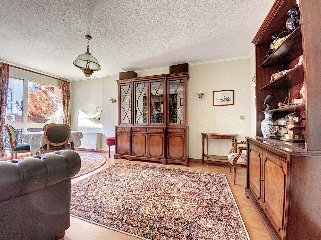 Appartement à vendre 3 62m2 à Aurillac vignette-2