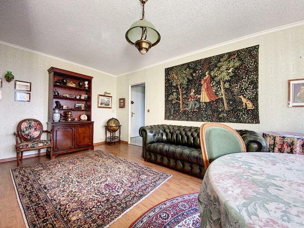 Appartement à vendre 3 62m2 à Aurillac vignette-3