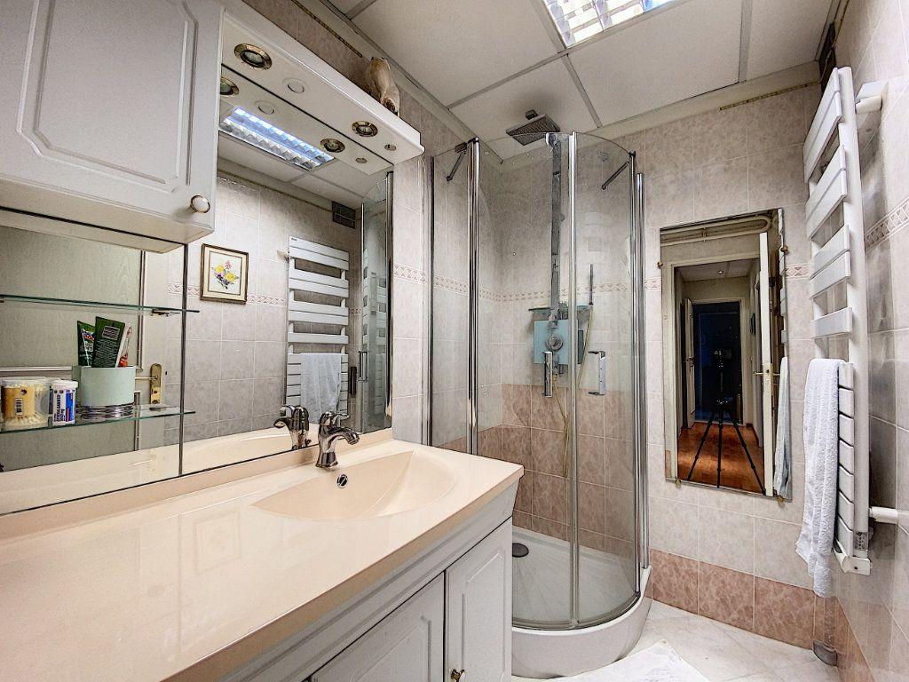 Appartement à vendre 3 62m2 à Aurillac vignette-8
