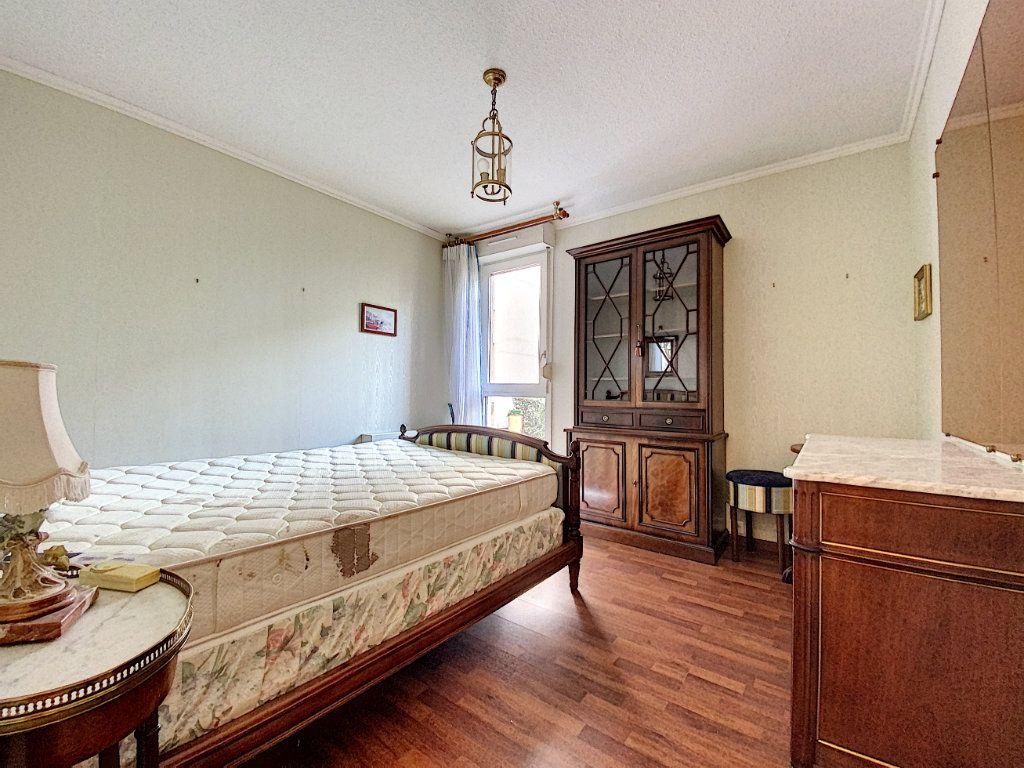Appartement à vendre 3 62m2 à Aurillac vignette-9