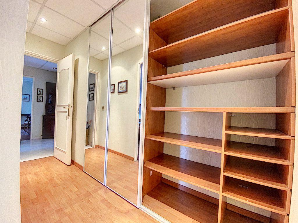 Appartement à vendre 3 62m2 à Aurillac vignette-12