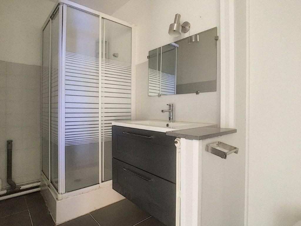 Appartement à vendre 4 69m2 à Aurillac vignette-6