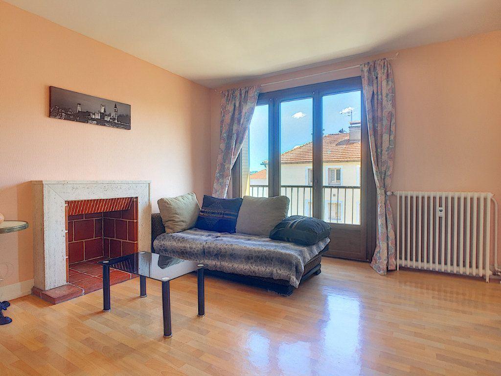 Appartement à vendre 3 58m2 à Aurillac vignette-2