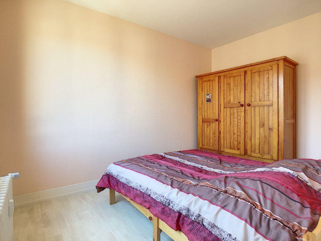 Appartement à vendre 3 58m2 à Aurillac vignette-5