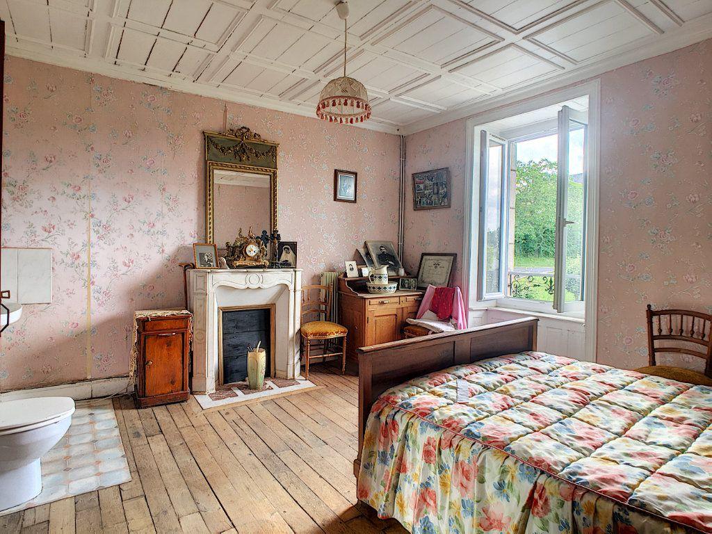 Maison à vendre 7 200m2 à Saint-Bonnet-de-Salers vignette-6