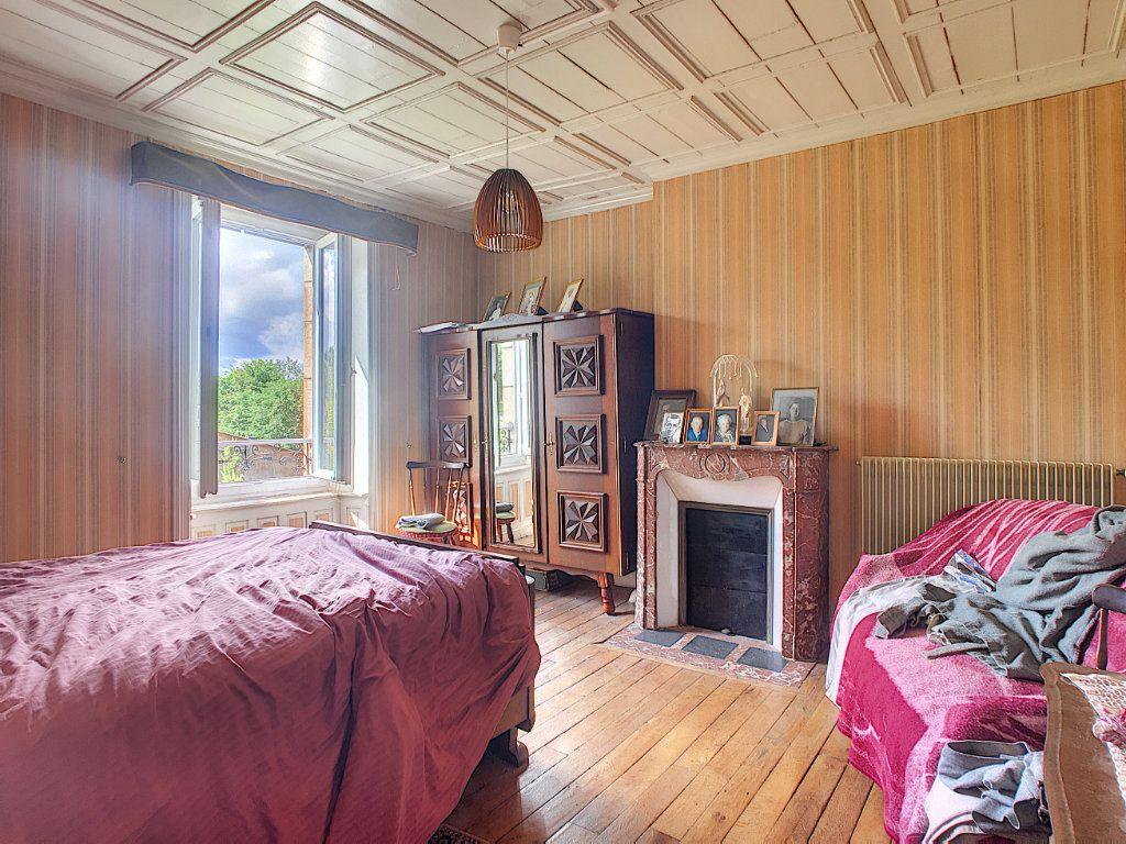 Maison à vendre 7 200m2 à Saint-Bonnet-de-Salers vignette-8