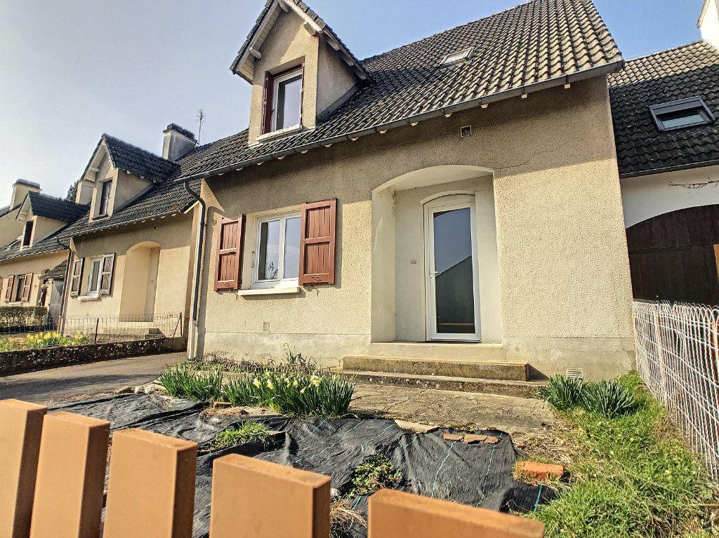 Maison à louer 5 94.89m2 à Aurillac vignette-2