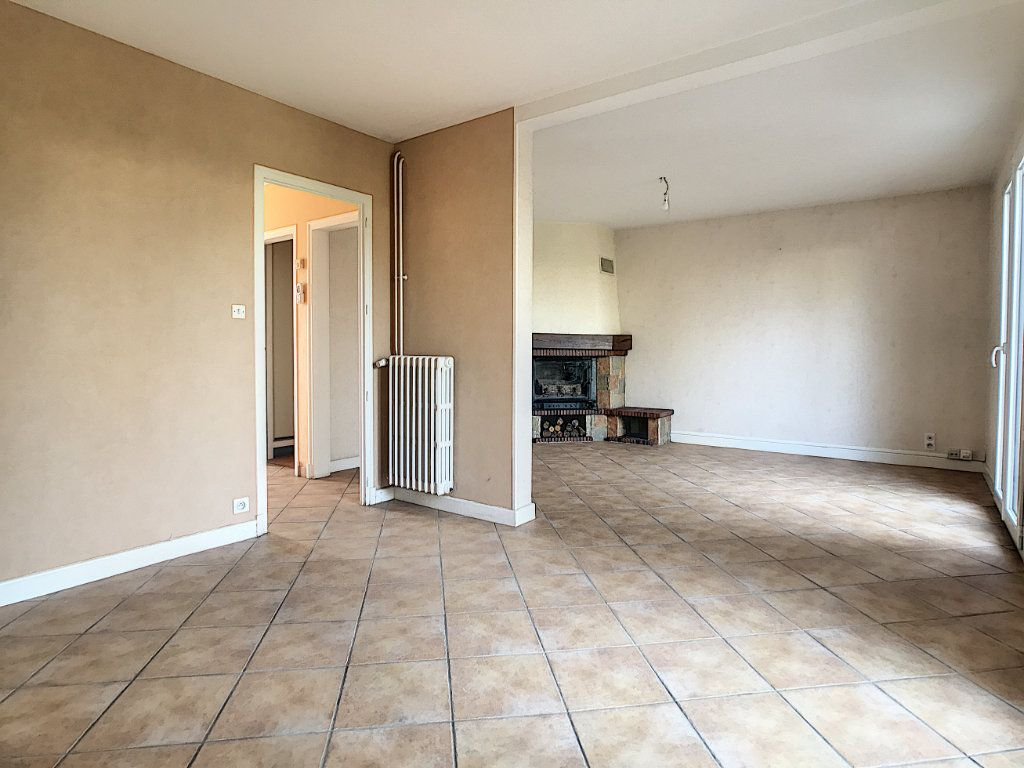 Maison à louer 5 94.89m2 à Aurillac vignette-5