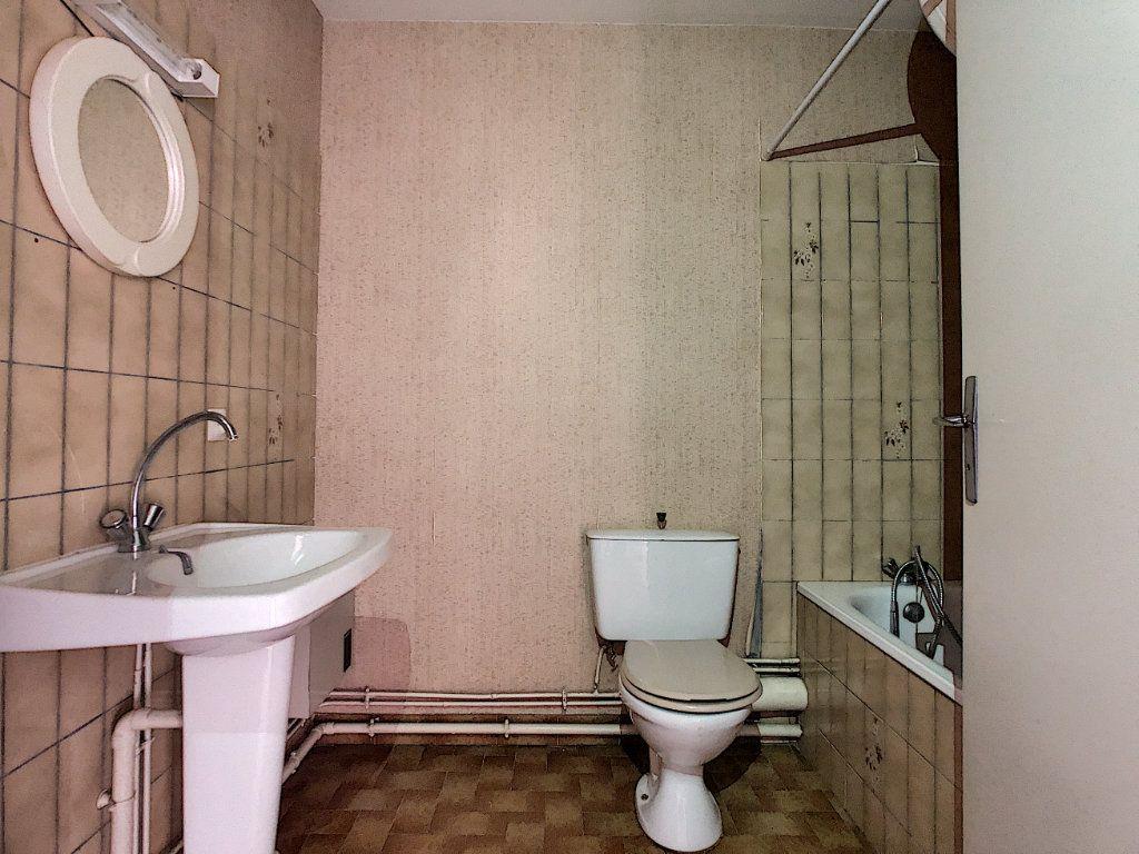 Appartement à louer 1 28.8m2 à Aurillac vignette-4