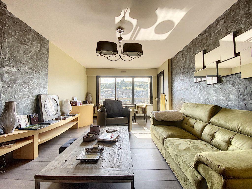 Appartement à vendre 3 68m2 à Aurillac vignette-2