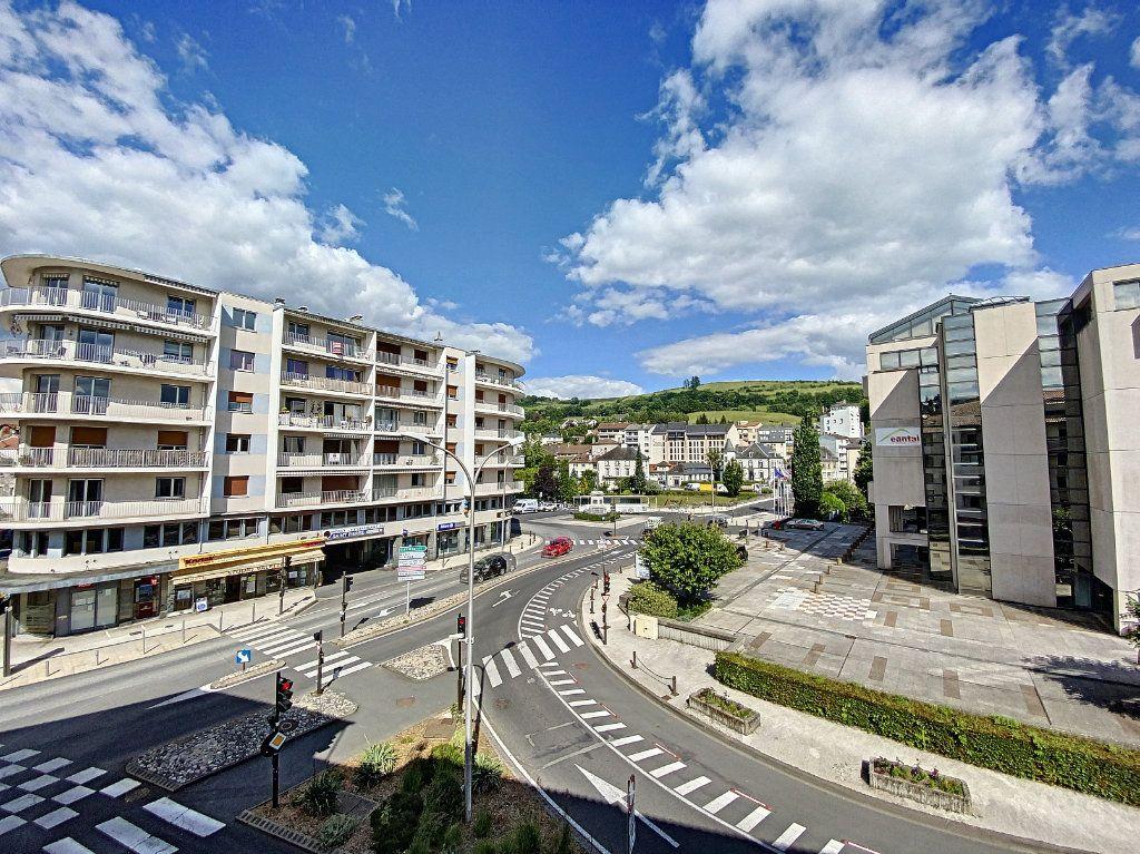 Appartement à vendre 3 68m2 à Aurillac vignette-6