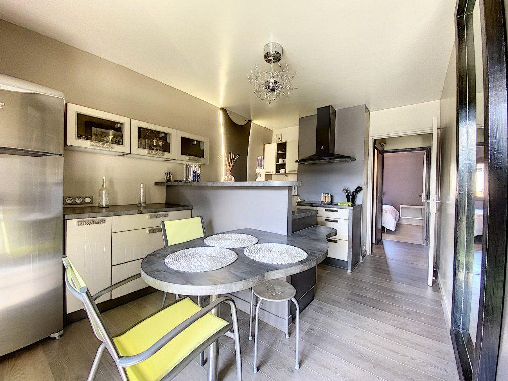 Appartement à vendre 3 68m2 à Aurillac vignette-9