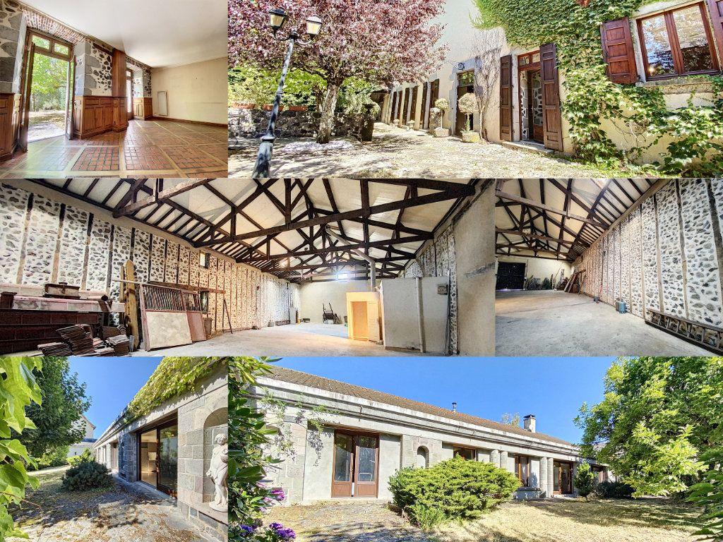 Maison à vendre 15 700m2 à Aurillac vignette-1