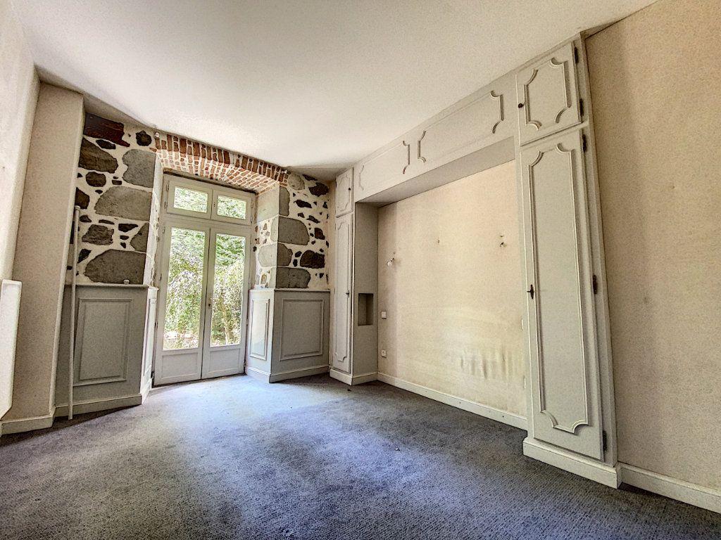 Maison à vendre 15 700m2 à Aurillac vignette-6