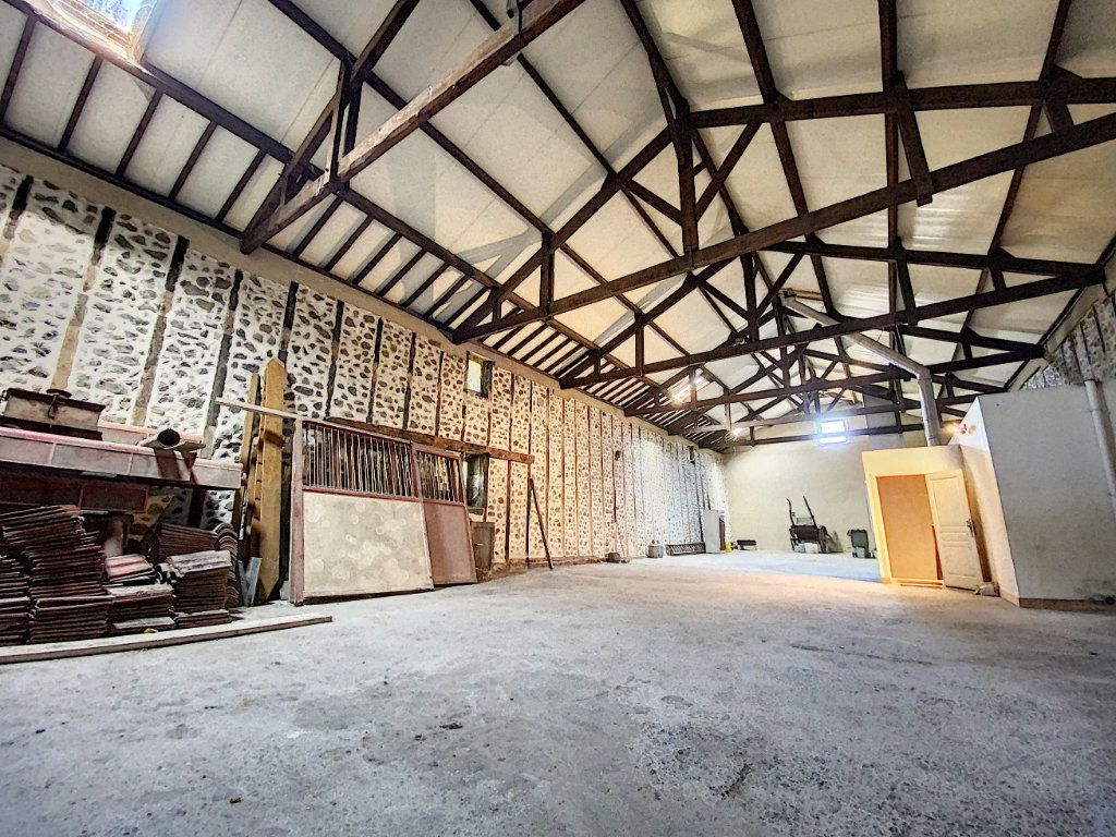 Maison à vendre 15 700m2 à Aurillac vignette-9