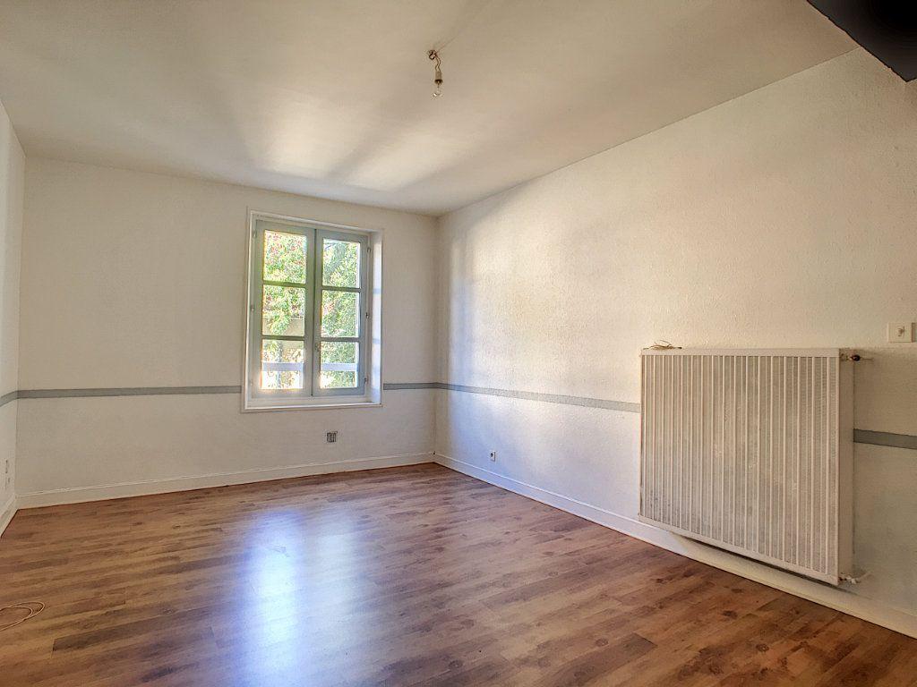 Appartement à louer 2 41.51m2 à Aurillac vignette-1