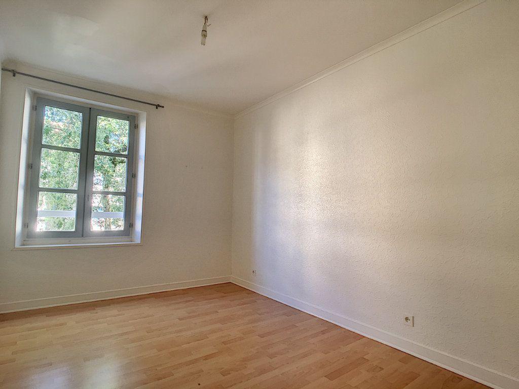 Appartement à louer 2 41.51m2 à Aurillac vignette-5