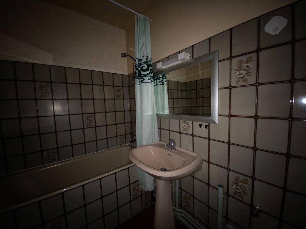 Appartement à louer 2 47m2 à Aurillac vignette-4