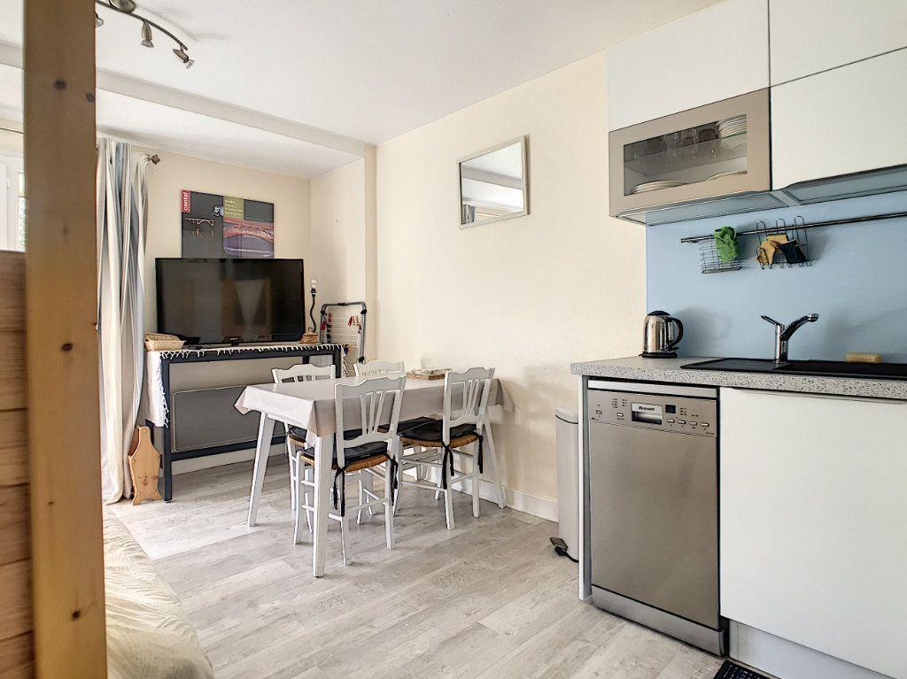 Appartement à vendre 1 22.5m2 à Laveissière vignette-3