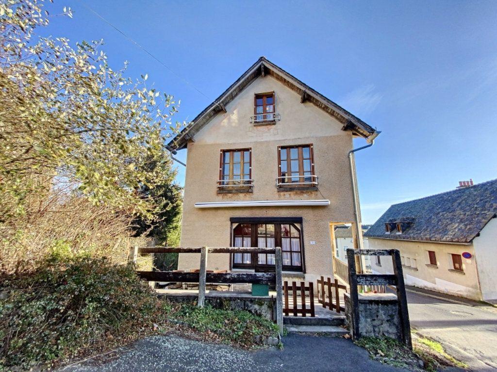 Maison à vendre 5 100m2 à Montsalvy vignette-1