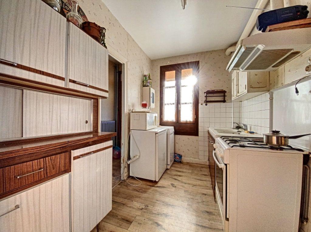 Maison à vendre 5 100m2 à Montsalvy vignette-5