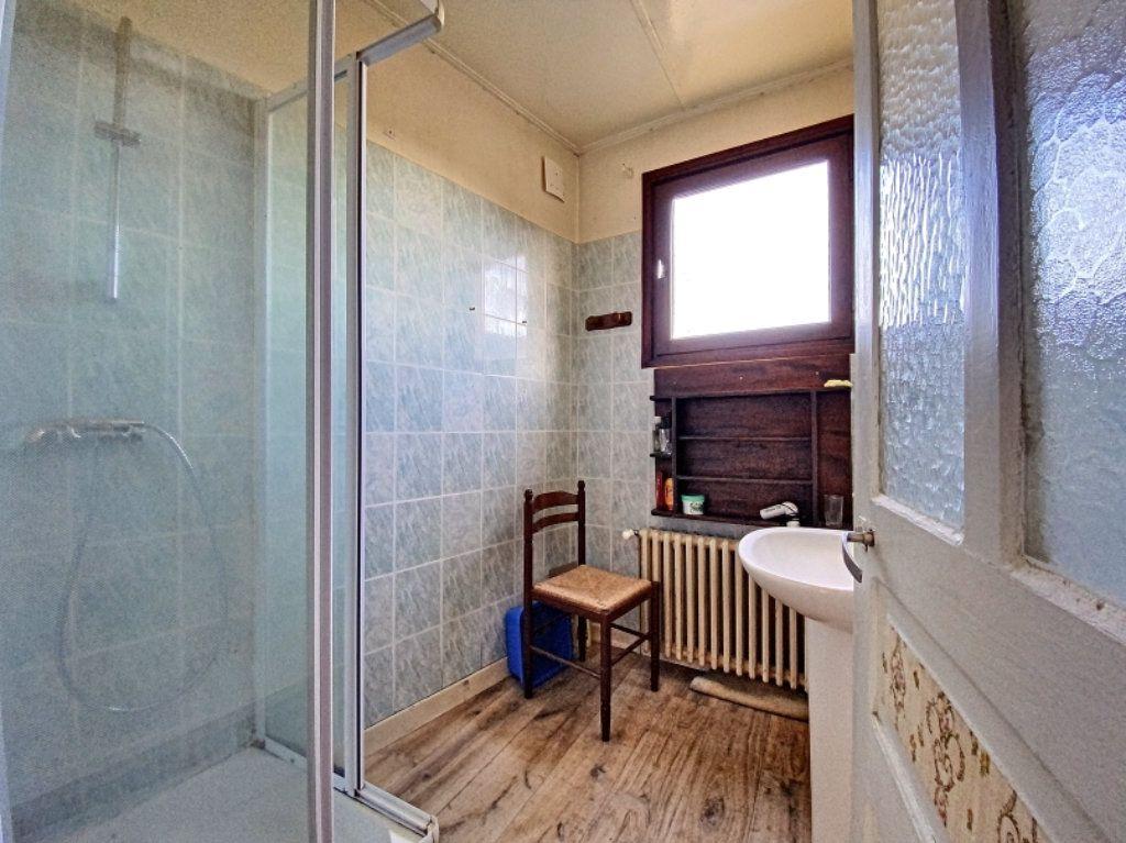 Maison à vendre 5 100m2 à Montsalvy vignette-6