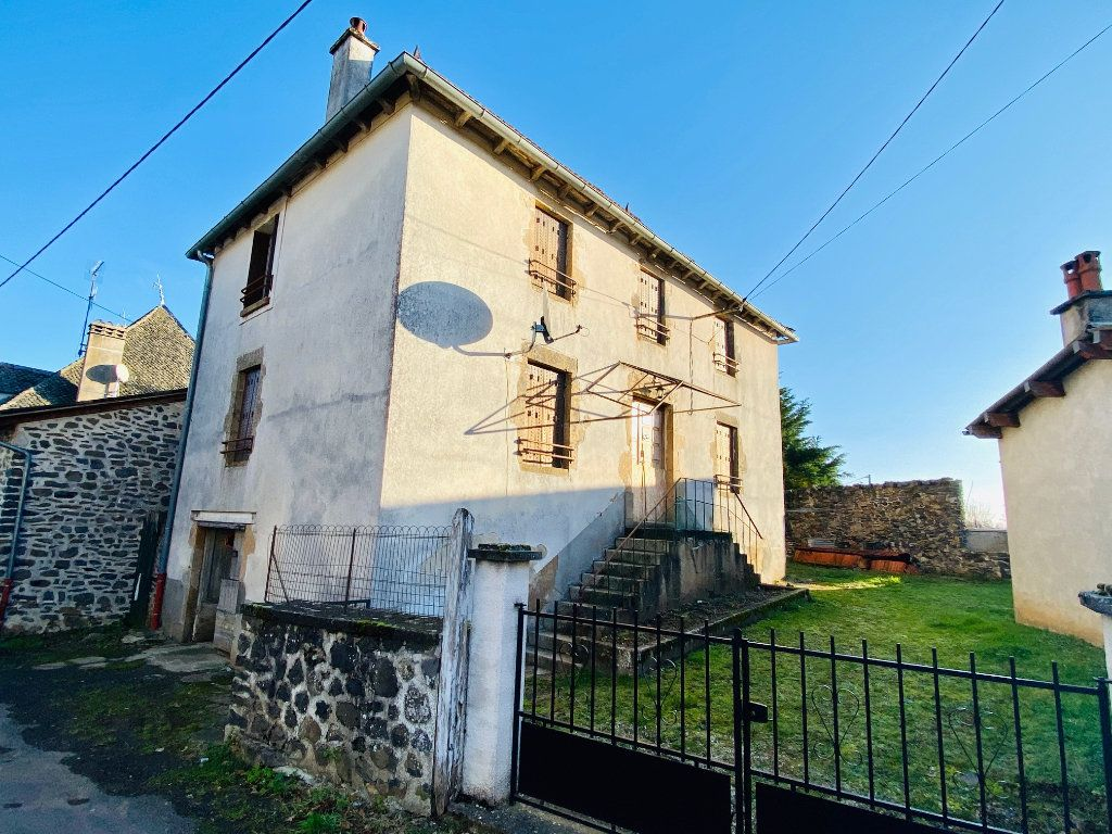 Maison à vendre 5 105m2 à Saint-Santin-Cantalès vignette-2