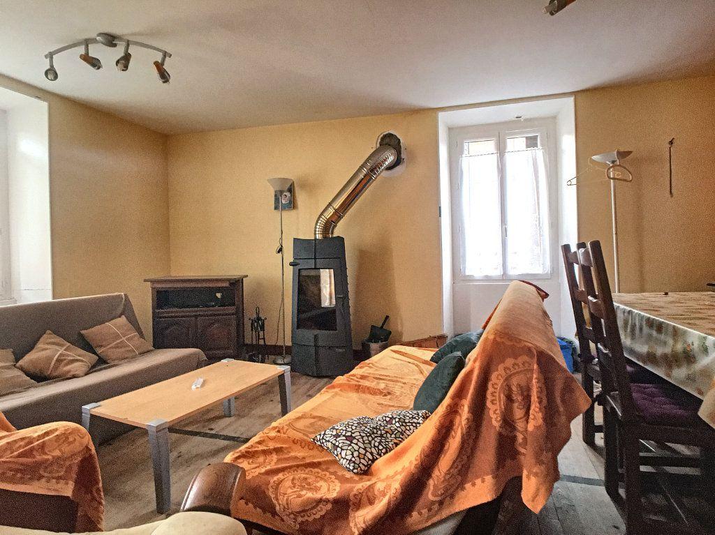 Maison à vendre 5 105m2 à Saint-Santin-Cantalès vignette-3