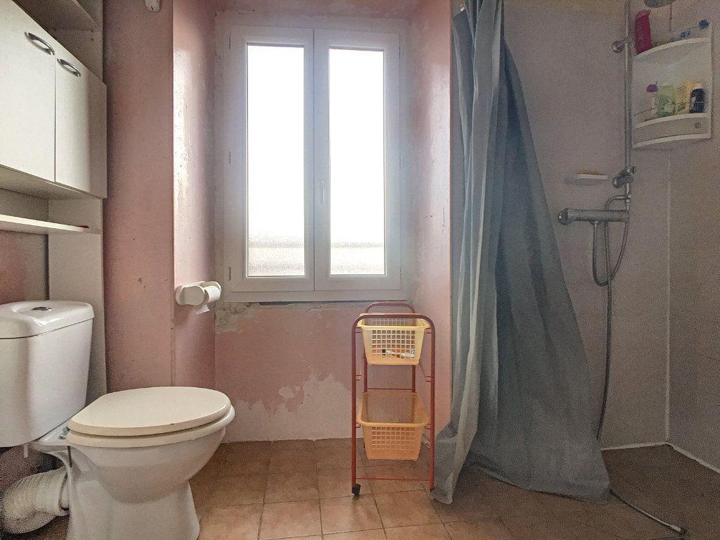 Maison à vendre 5 105m2 à Saint-Santin-Cantalès vignette-6
