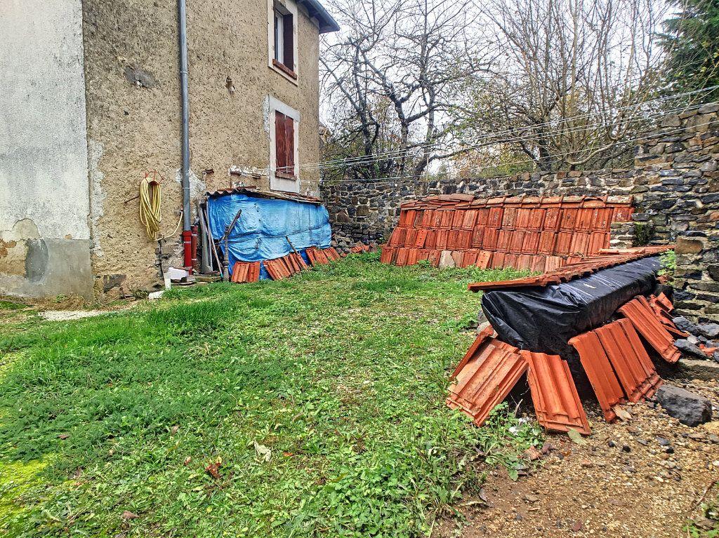 Maison à vendre 5 105m2 à Saint-Santin-Cantalès vignette-9