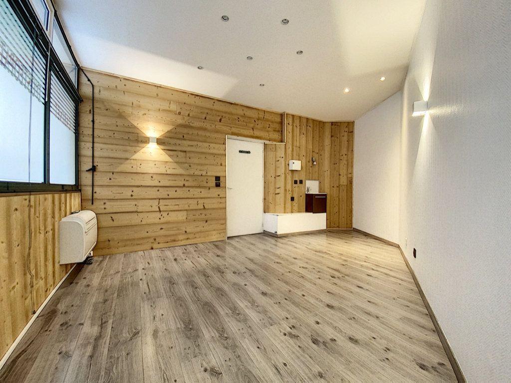 Appartement à vendre 2 25m2 à Aurillac vignette-1