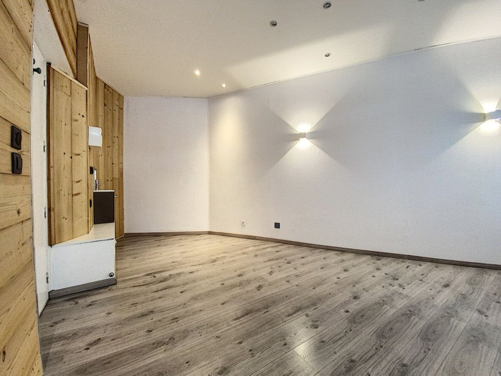 Appartement à vendre 2 25m2 à Aurillac vignette-2