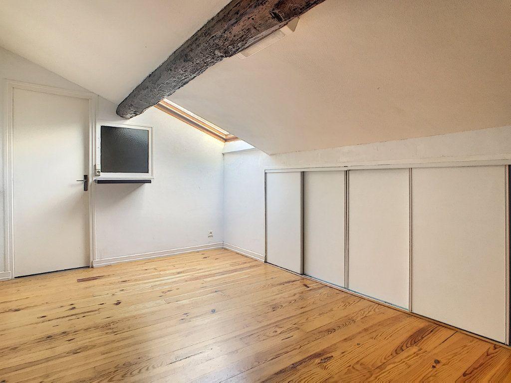 Appartement à louer 3 44.28m2 à Aurillac vignette-5