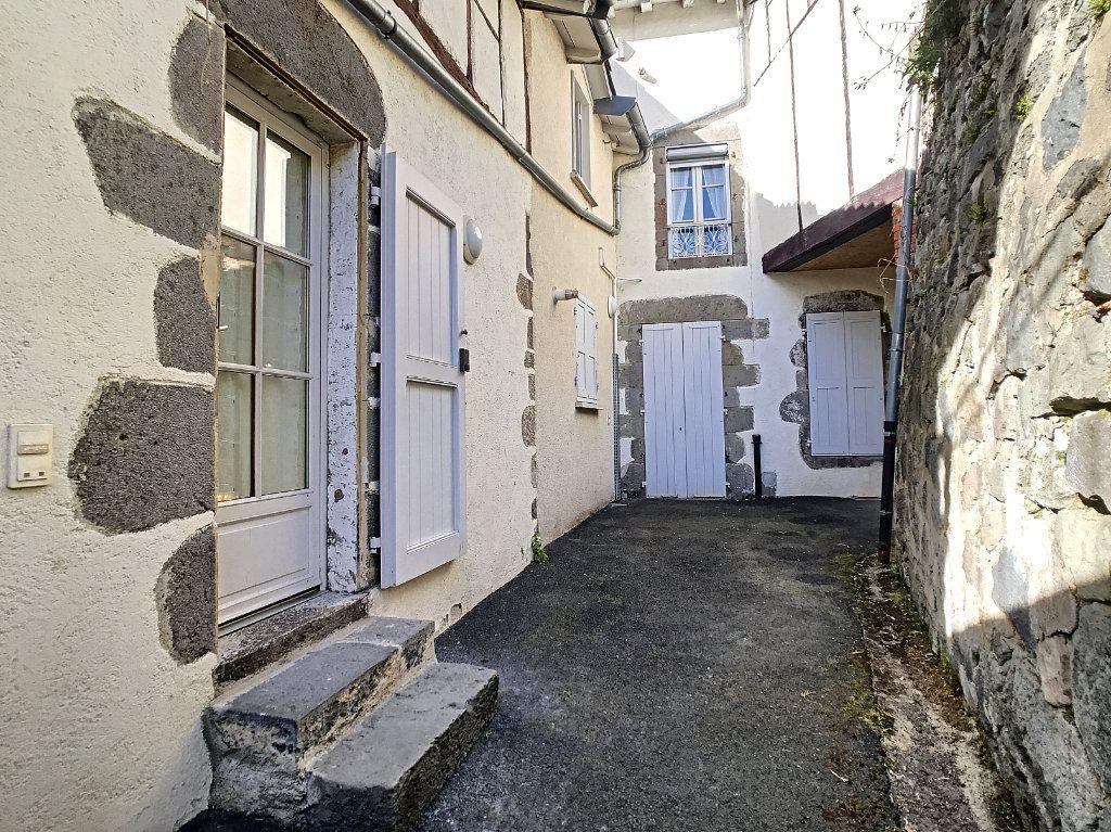 Appartement à louer 2 30.19m2 à Aurillac vignette-2