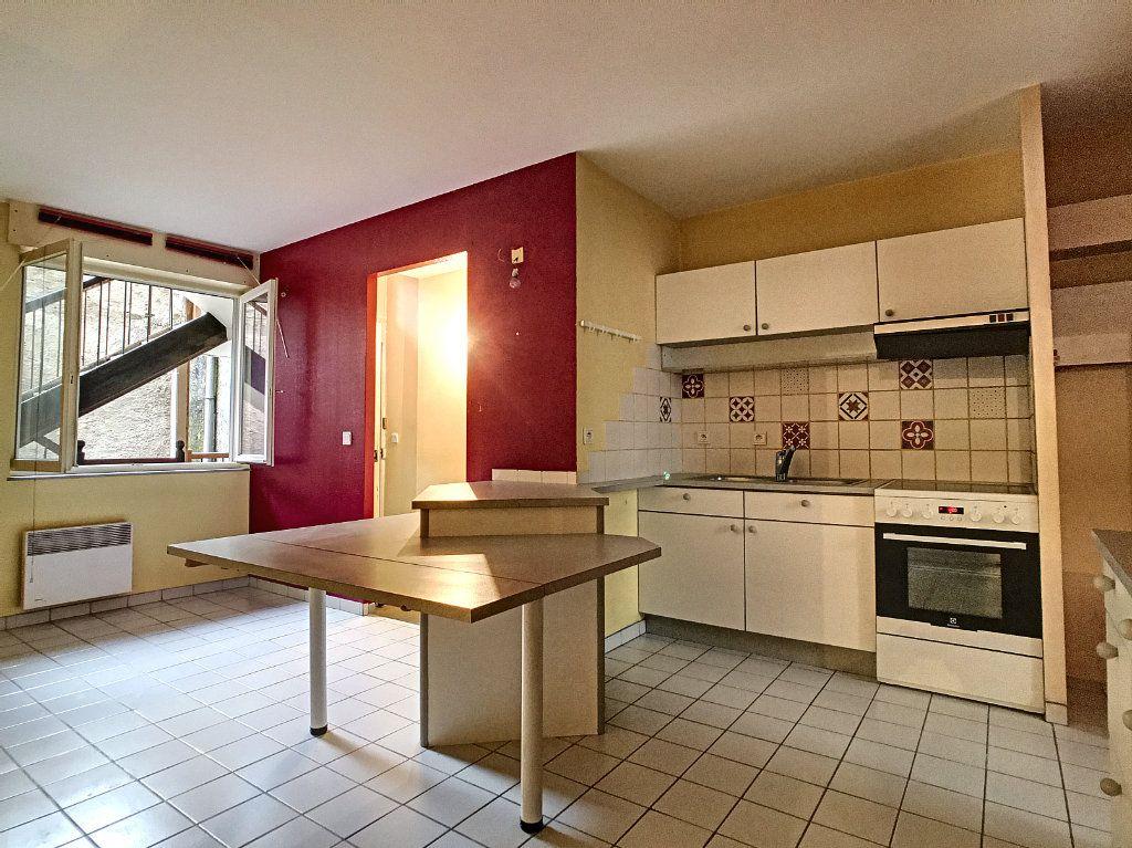 Appartement à vendre 3 74m2 à Aurillac vignette-2