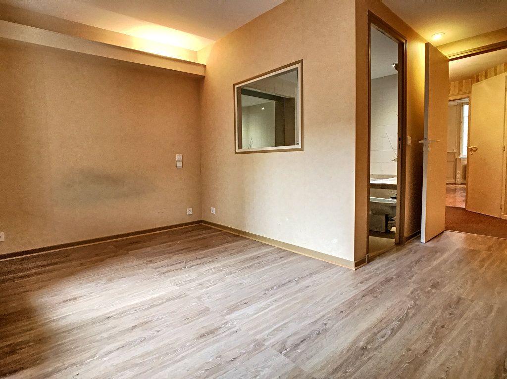 Appartement à vendre 3 74m2 à Aurillac vignette-3