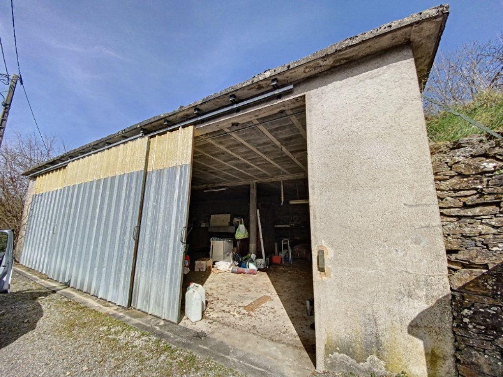 Maison à vendre 1 100m2 à Leynhac vignette-1