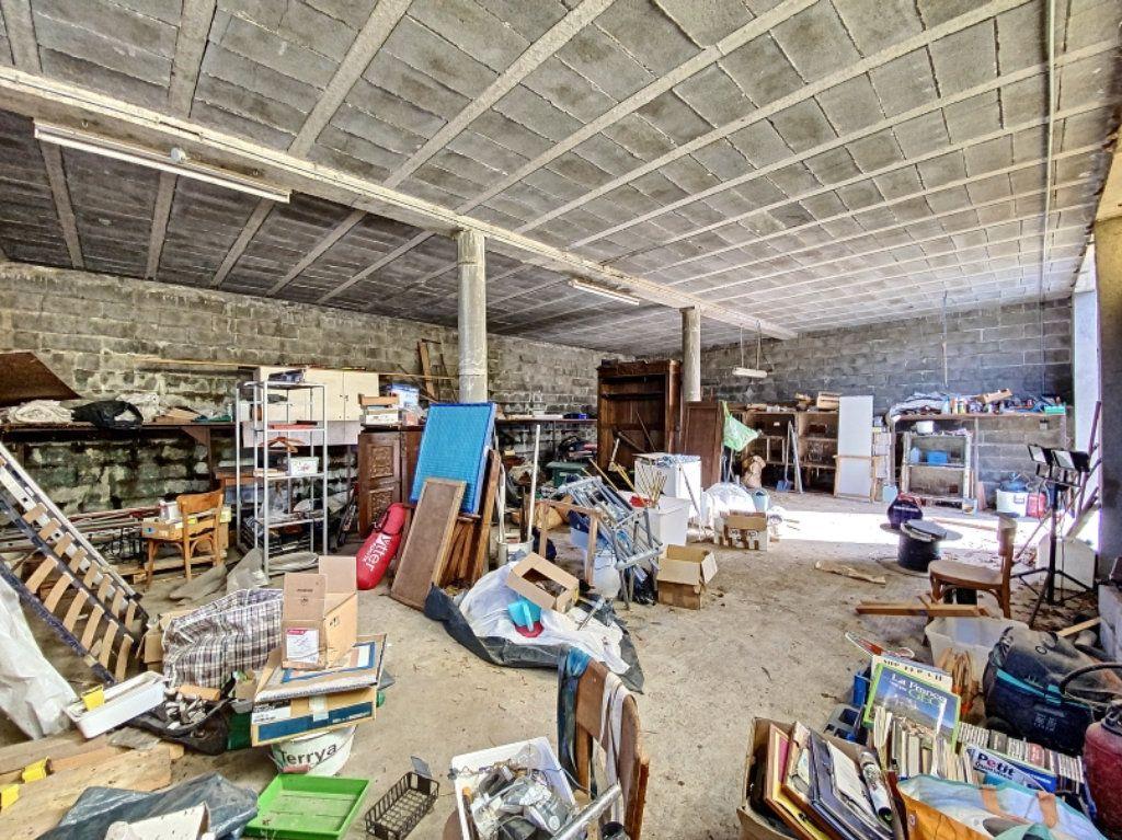 Maison à vendre 1 100m2 à Leynhac vignette-3