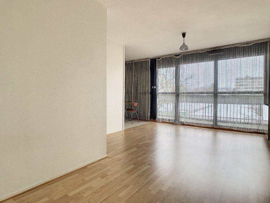 Appartement à louer 1 31.22m2 à Aurillac vignette-2