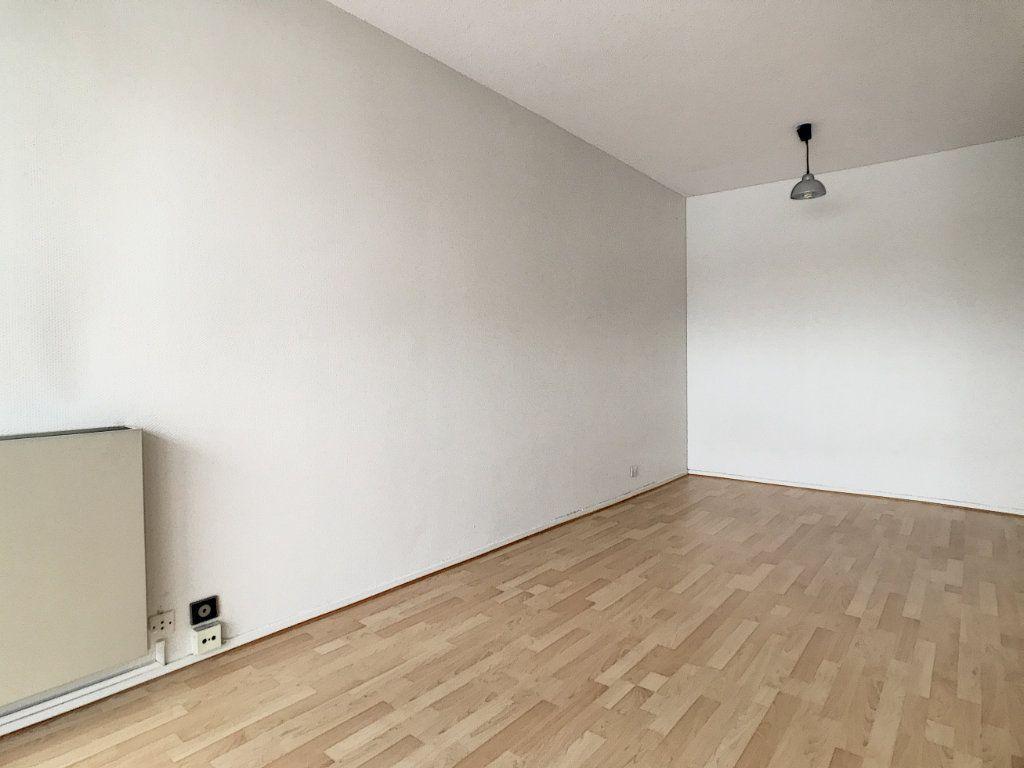 Appartement à louer 1 31.22m2 à Aurillac vignette-3
