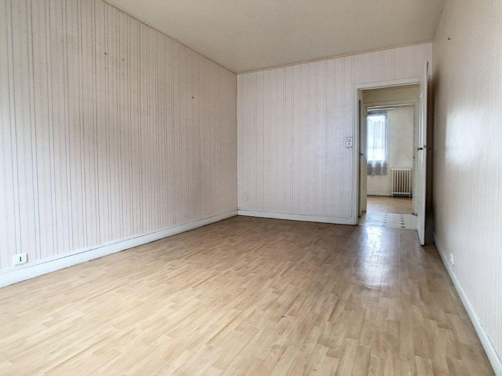 Appartement à vendre 3 56m2 à Aurillac vignette-1