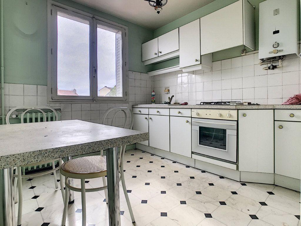 Appartement à vendre 3 56m2 à Aurillac vignette-2