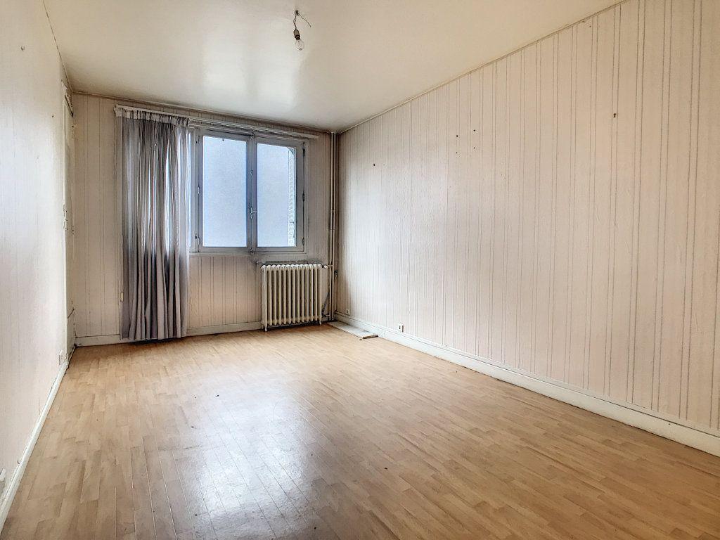 Appartement à vendre 3 56m2 à Aurillac vignette-4