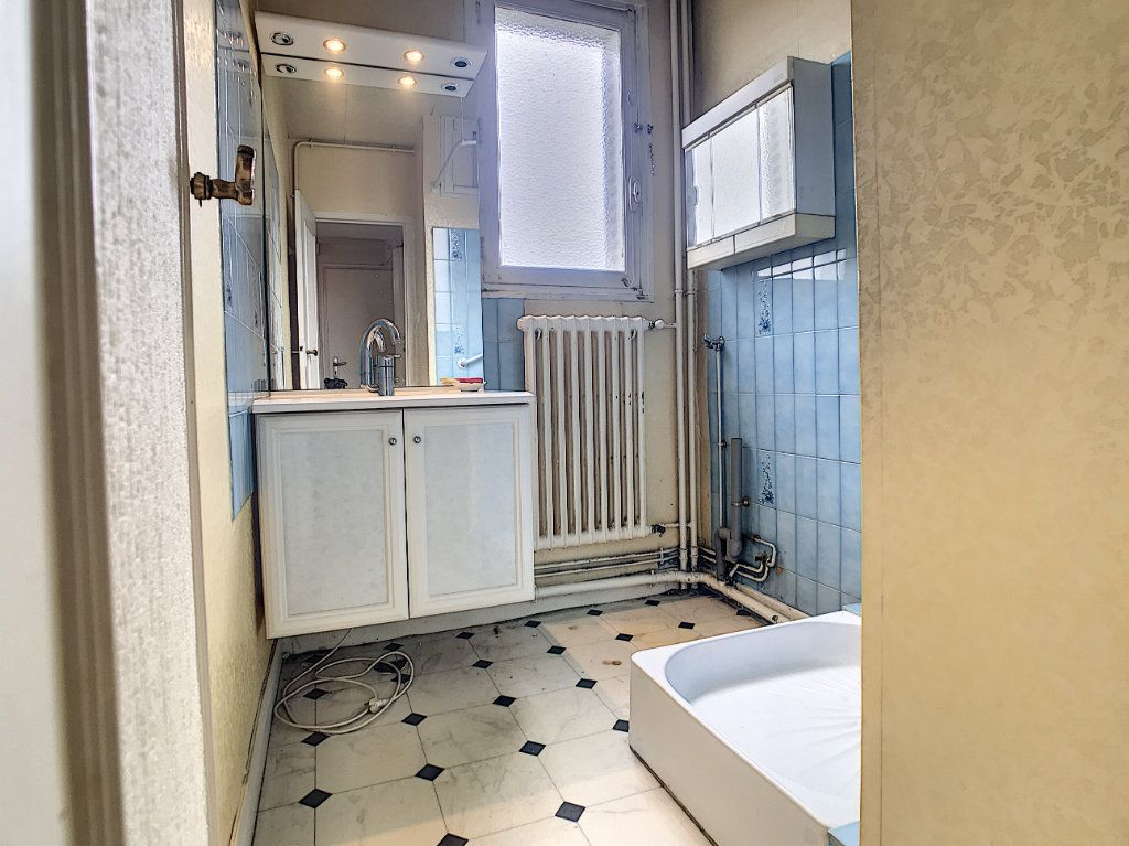 Appartement à vendre 3 56m2 à Aurillac vignette-8