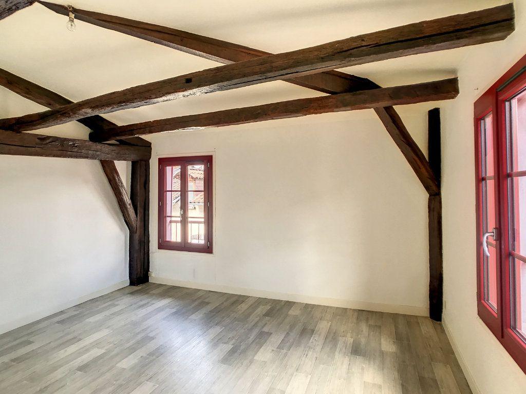 Appartement à louer 3 54.79m2 à Aurillac vignette-4