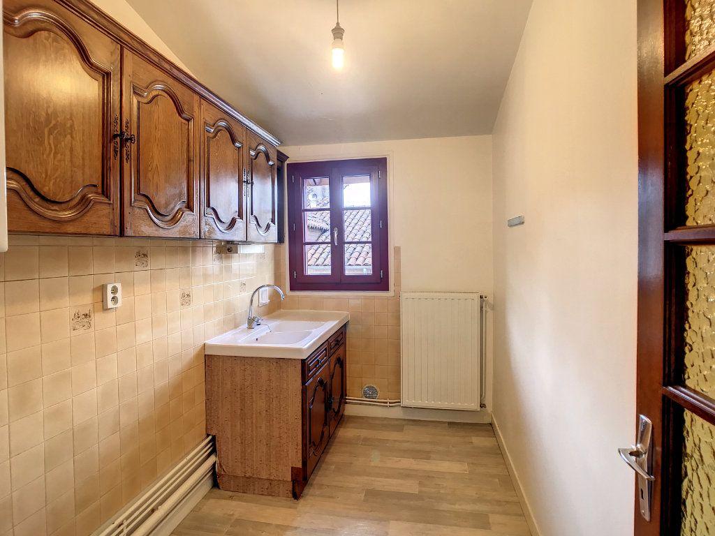 Appartement à louer 3 54.79m2 à Aurillac vignette-7