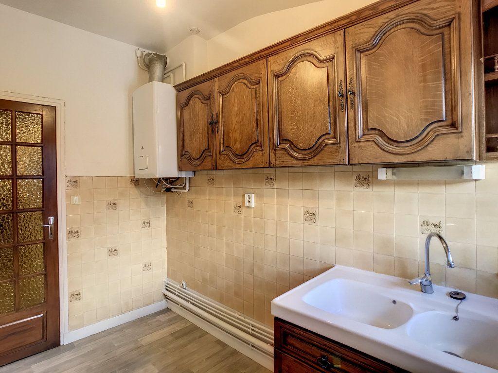 Appartement à louer 3 54.79m2 à Aurillac vignette-8