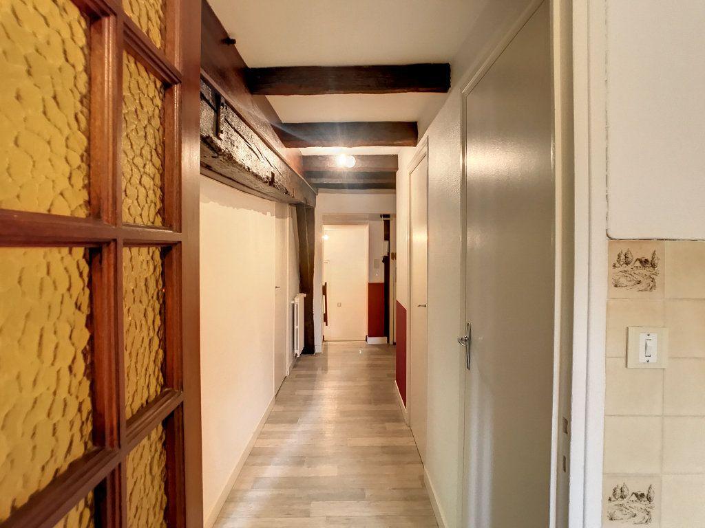 Appartement à louer 3 54.79m2 à Aurillac vignette-9